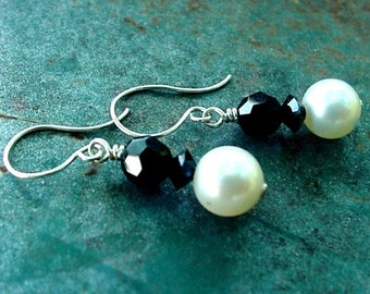 Black and white Earrings - bridesmaids earrings - Bridal earrings - Swarovski - Earrings