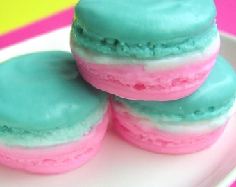 Best Friend Gift. Gift for Her. MACARON Soap, Apple Pie Scent, French Macarons, Pastel, Birthday Favors, Stocking Stuffers. Party Favor Soap