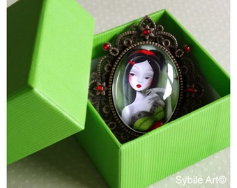 Brooch Miss coquelicot