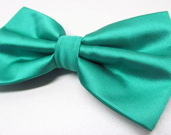 Mens Bowties. Teal Green Men's Bowtie With Matching Pocket Square Option