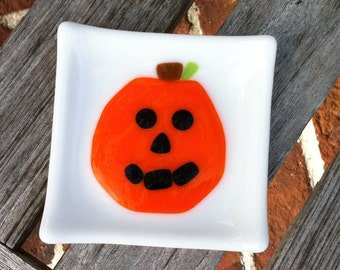 Jack o lantern Halloween Decoration - Pumpkin Little Fused Glass Dish - Trinket Dish