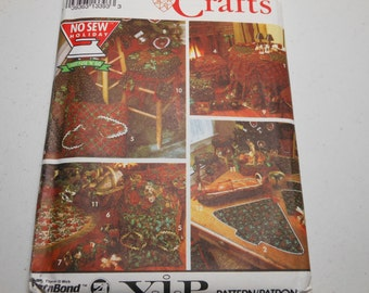 Christmas Holiday Accessories Decor Pattern No Sew Uncut