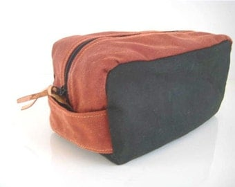 Waxed Canvas Dopp Kit Zipper Leather tags Olive Burnt