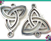 3 Antiqued Silver Celtic Knot Triangle Connectors - Celtic Trinity Knot Connectors - 33mm