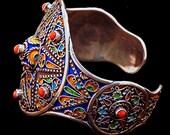 Elegant Vintage Moroccan Bracelet - Enamel