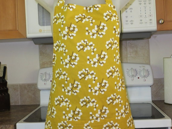 Womens Aprons - Full Aprons - Branches of White Berries