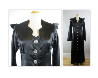 Vintage 30s Haute Goth Winged Dress L with reverse carved buttons