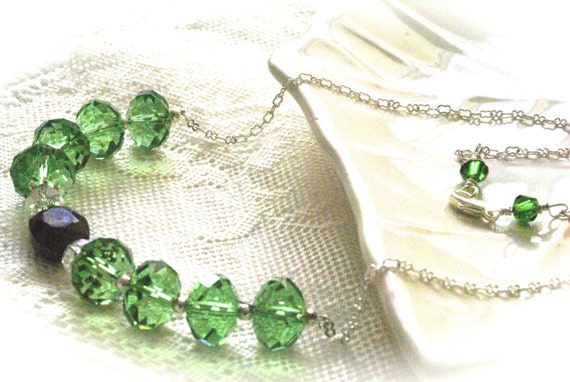 Emerald Greenl Necklace, Christmas Green Necklace,  Matching Earrings  and Bracelet