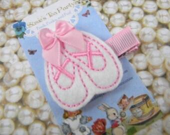 Felt Ballet Slippers Clip-Baby Hair Clip- White Ballet Shoes Hair Clip-Toddler HairClip-Felt Hair Clip-Feltie Hair Clip