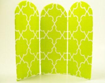 Green Folding Screen Room Divider Upholstered 1:12 Dollhouse Miniature Artisan