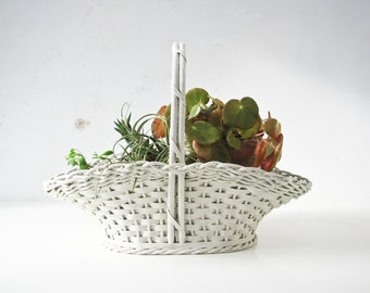 Vintage Woven Basket with Handle, Planter, Carrying Baskert