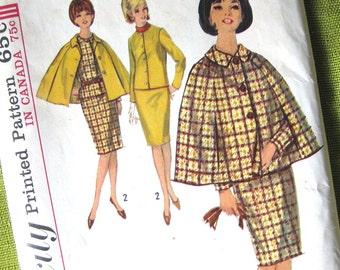 1960s Vintage Sewing Pattern - Pan Am Suit & Cape - Slim Suit - Simplicity 5669 - UNCUT  FF / Size 12
