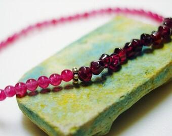 Strawberry Chalcedony / Black Cherry Garnet / Pink / Wine / Semiprecious Stones / Pink Bracelet / Simple / Sweet / Dainty / Bracelet / Pink