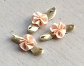 Ribbon Flower Appliques 309.3 - Ribbon Light Brown  Round Flower with Leaf - 24 pcs