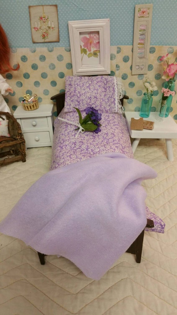 Lavendar Barbie/Blythe Doll Sheet Set, with Lace -1/6 scale