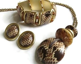 Vintage Faux Animal Print Lucite Pendant Necklace, Stretch Bracelet and Earrings Demi Parure Set