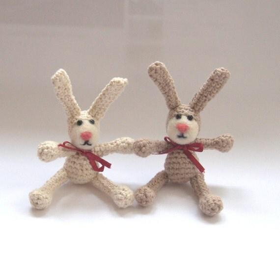 Amigurumi Rabbit Face : Crochet bunny rabbit with felted face beige ivory children