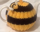 Bee Tea Cosy - 4/6 cup pot with a bumble bee stripe design.