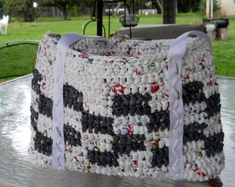 Crocheted CheckerboardTote from Recycled Plastic Bags