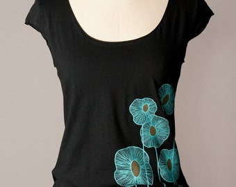 women's black shirt, scoop neck, cap sleeves, turquoise botanical screenprint