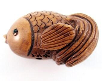 Puffy Goldfish Hand-Carved Boxwood Ojime Bead