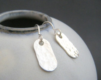"""small silver earrings. hammered dog tag earrings. sterling silver dangle. modern drop earrings. simple everyday jewelry. gift for women 5/8"""""""