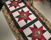 Cardinals-in-a-Star Hand Quilted Christmas Table Runner Table Linens