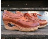 VINTAGE 70s PLATFORM oxford shoes wood and leather lace ups