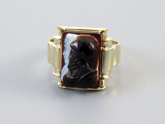Mans antique Edwardian 10k gold sardonyx hardstone double headed warrior cameo ring, size 9.75