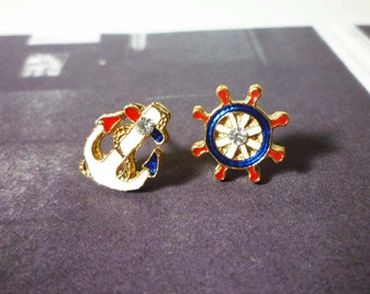 Mini Nautical Stud Earrings - Gold