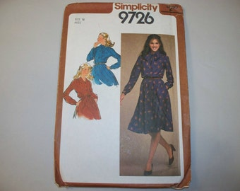 Vintage Simplicity Dress Pattern, 9726, Size 16 (Free US Shipping)