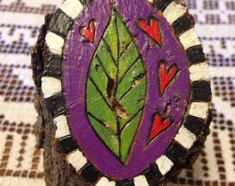 Leaf love – tree stump art