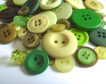 100 Green Buttons Light Green Dark Green Kelly Green Emerald Green Olive Green Avocado Green Lime Green Lemongrass Crafts Crafting Gre03
