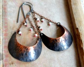 Rustic earrings, hammered copper earrings with white pearls- Freja
