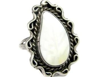 Vintage SOUTHWESTERN MOP Leaf Sterling Ring Silver Sz 5.75 JM
