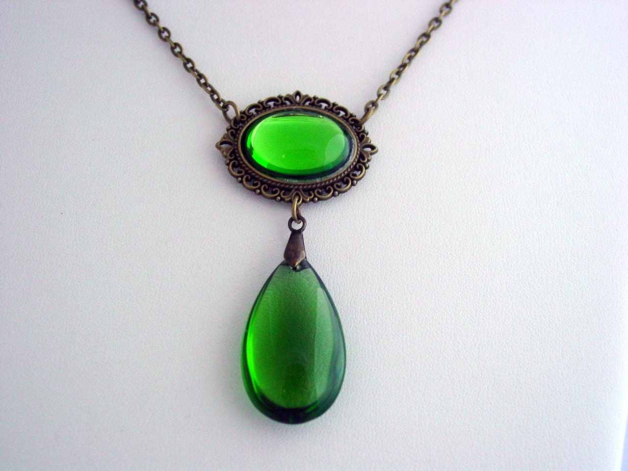 witch wear wendys collection green necklace vintage czech