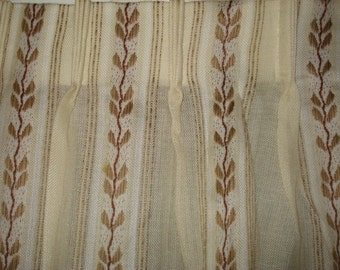 VINTAGE floral pleated curtain drapes 2 panels