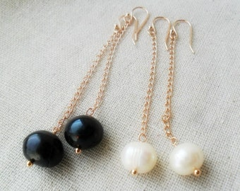 Black Pearl Dangle Earrings / Rose gold Long chain / Minimalist Trendy Earrings / Modern everyday / Bridesmaid Gift   For Her  Baroque pearl