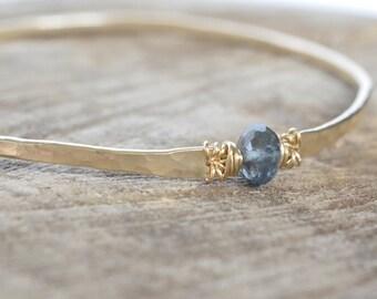 Moss Aquamarine Bracelet, Gold Hammered Bangle Bracelet, March Birthstone Bracelet, Blue Aquamarine, Teal Blue