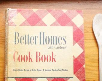 Better Homes and Gardens binder cookbook cook book 1947 vintage