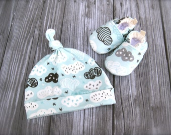 SALE Organic Turquoise Clouds Gift Set / 3 to 6 Months / Hat Booties Baby shower gift Premier