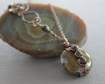 Copper pendant with captured rust brown with hints of green jasper stone and decorative hook clasp - Copper necklace - Round pendant - NK013