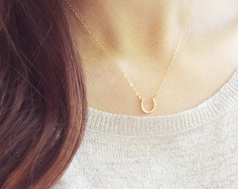 Gold Horseshoe Necklace | Tiny Horseshoe Necklace