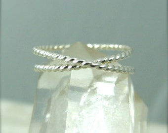 Silver Infinity Ring / Eternity Ring / Sterling Silver Ring / Promise Ring / Sister Ring / Bridesmaids Gift / Eternity Ring