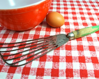 Vintage kitchen beater hand mixer green wood handle pancake batter egg beater