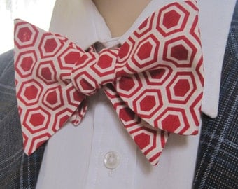 Red Honeycomb Beehive Pattern Bow Tie