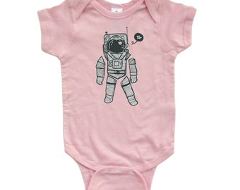 Adorable Baby Space Man Astronaut Spaceman Cute Outer Space Print on Soft Infant High Quality Cotton Short Sleeve Bodysuit