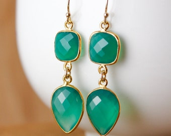 Emerald Green Onyx Earrings - Inverse Teardrops - Dangle Earrings