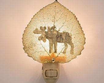 Real Aspen Leaf Dipped In 24k Gold Night Light With Moose Sillouhette -  24k Gold Leaves