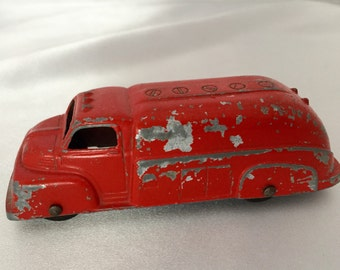 Vintage 1940s red metal Tootsie Toy truck